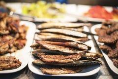Pescados asados a la parilla deliciosos imagen de archivo libre de regalías