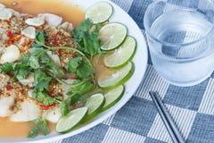 Pescados calientes y picantes de la rebanada, estilo tailandés Fotos de archivo libres de regalías