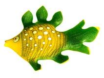 Pescados de cerámica coloreados. Foto de archivo
