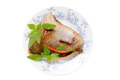 Pescados de color salmón asados a la parilla Foto de archivo libre de regalías