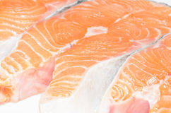 Pescados de color salmón rebanados Fotos de archivo libres de regalías