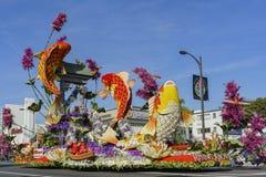 Pescados de la carpa, flotador del premio de los montos totales en Rose Parade famosa Fotos de archivo