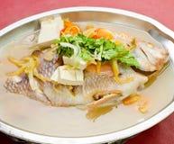 Pescados. estilo cocido al vapor de Asia del chino de los pescados Imagen de archivo