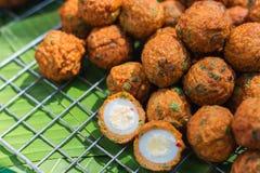 Pescados fritos comida tailandesa Foto de archivo