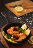 Pescados fritos o asados a la parrilla Imagen de archivo libre de regalías
