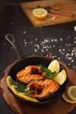 Pescados fritos o asados a la parrilla Imagen de archivo