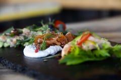 Pescados italianos en restaurante Imágenes de archivo libres de regalías