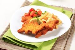 Pescados y patatas fritas fritos Imagen de archivo libre de regalías