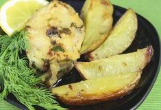 Pescados y patatas fritos Foto de archivo