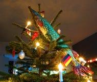 Pescados y un árbol de navidad Imagen de archivo