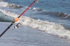 Pescando dall'oceano Immagine Stock