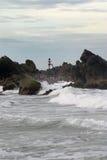 Pescando dalle rocce Immagini Stock