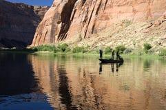 Pescando en el río de Colorado, Arizona Imágenes de archivo libres de regalías