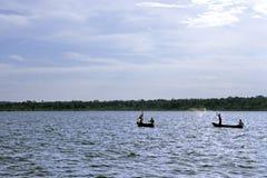 Pescando en fuente de Nile River blanca, Uganda foto de archivo libre de regalías