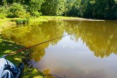 Pescando sul fiume Immagini Stock Libere da Diritti