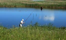 Pescando sul lago Fotografia Stock Libera da Diritti