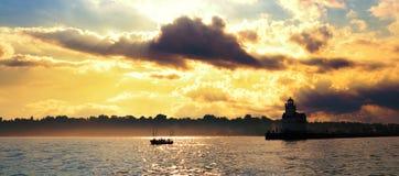 Pescando sul lago Michigan Fotografie Stock Libere da Diritti