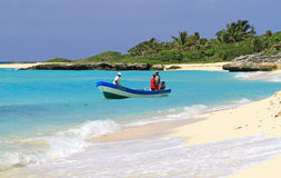 Pescando sul mare caraibico Immagini Stock