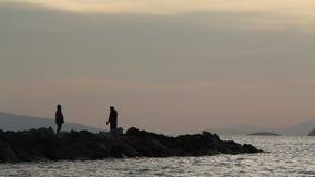 Pescatore dal mare stock footage
