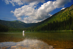 Pescatore del lago mountain Immagine Stock Libera da Diritti