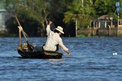 Pescatore nel delta del Mekong, Vietnam Fotografie Stock Libere da Diritti