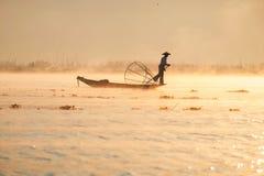 Pescatore nel lago Inle Fotografia Stock