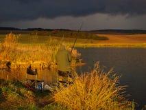 Pescatore sul lago Immagini Stock Libere da Diritti