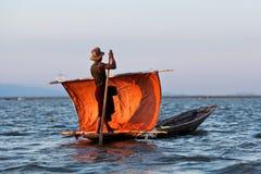 Pescatore sul lago Inle, lo Stato Shan, Myanmar Fotografia Stock Libera da Diritti