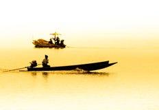 Pescatori che raccolgono i crostacei al settore agricolo del cuore edule Immagine Stock Libera da Diritti
