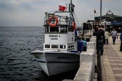 Pescatori della città di Cinarcik Fotografie Stock Libere da Diritti