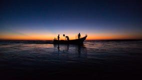 Pescatori, distretto della BO Trach del comune di Nhan Trach, Quang Binh, Vietnam, settembre 9, 2017 immagini stock libere da diritti