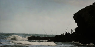 Pescatori maori sulla scogliera Fotografia Stock Libera da Diritti
