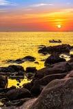 Pescatori nella barca ad alba Immagine Stock Libera da Diritti