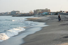 Pescatori sulla spiaggia in Pomorie, Bulgaria Fotografia Stock Libera da Diritti