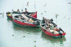 Pescatori tradizionali sul lavoro immagine stock