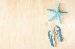 Pesce della stella e decorazione di legno di Flip-flop Fotografie Stock