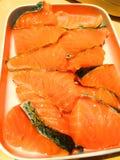 Pesce di color salmone fresco Salmoni grezzi freschi immagini stock
