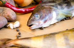 Pesce di Grinling con il primo piano delle verdure Immagine Stock Libera da Diritti