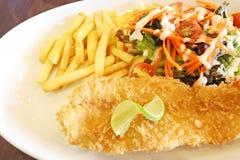 Pesce e patata fritta Fotografia Stock Libera da Diritti