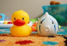 Pesce ed anatra del giocattolo Fotografie Stock