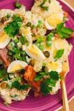 Pesce ed insalata affumicati Immagine Stock Libera da Diritti