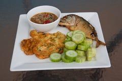Pesce fritto sulla tavola Fotografia Stock
