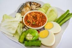 Pesce, pasta del gamberetto e uova sode fotografia stock libera da diritti