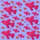 Pesce rosa ed arancio luminoso su un fondo lilla Fotografie Stock