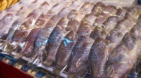 Pesce seccato al sole nel mercato Bangkok Tailandia Immagini Stock Libere da Diritti