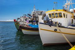 Pescherecci al porto di Kavala, Grecia del Nord fotografie stock libere da diritti