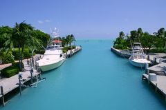 Pescherecci di tasti della Florida in canale navigabile del turchese Fotografia Stock Libera da Diritti