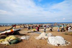 Pescherecci in una spiaggia Fotografie Stock Libere da Diritti