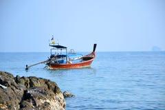 Peschereccio nel mare immagini stock libere da diritti