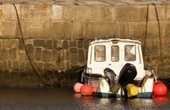 Peschereccio nel porto Fotografia Stock
